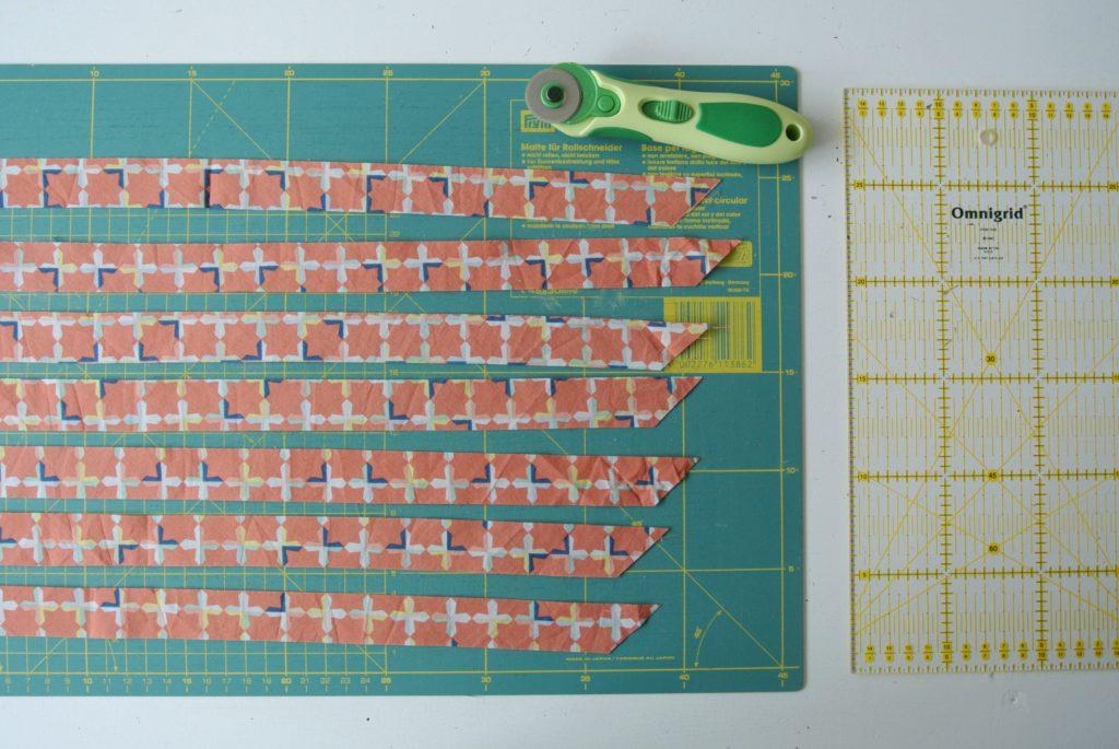 biais band zelf maken stroken stof knippen